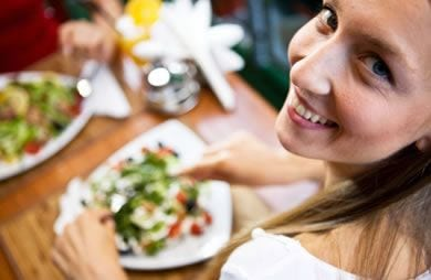 5 Tips for Ordering Healthy at Your Favorite Restaurant